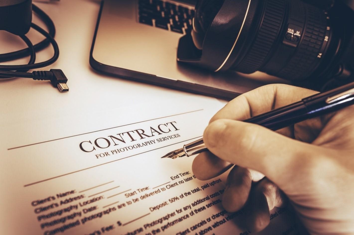 """Marketer freelance: le clausole contrattuali """"salva vita""""."""